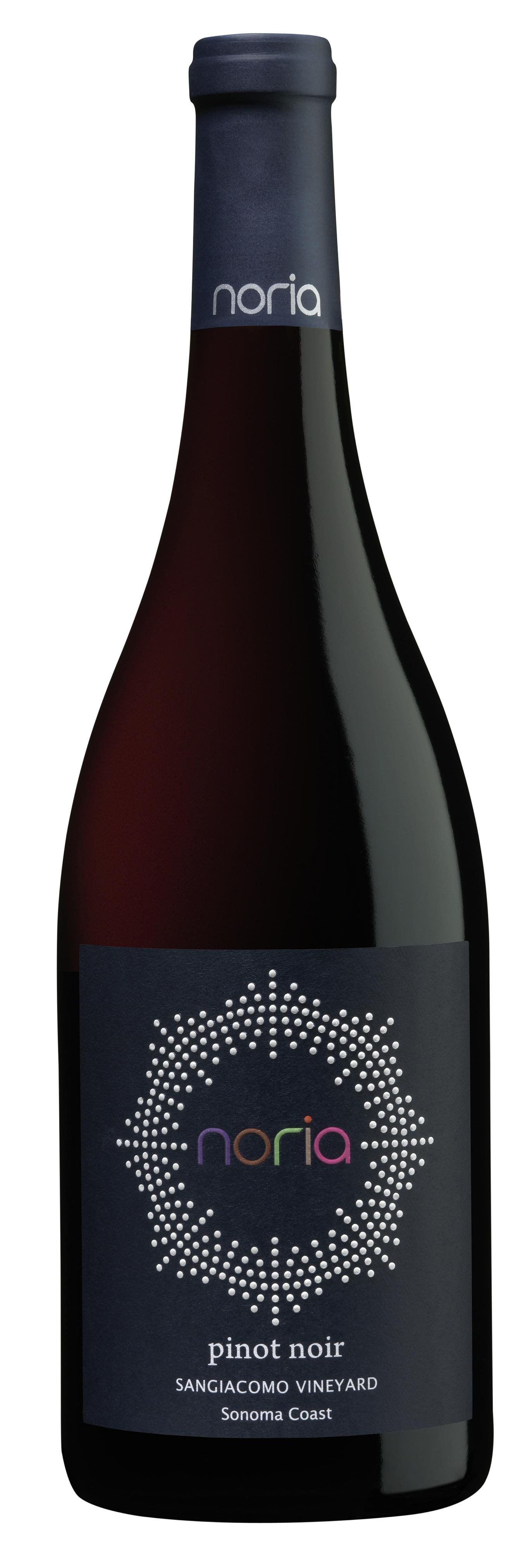 Noria Pinot Noir bottle 001